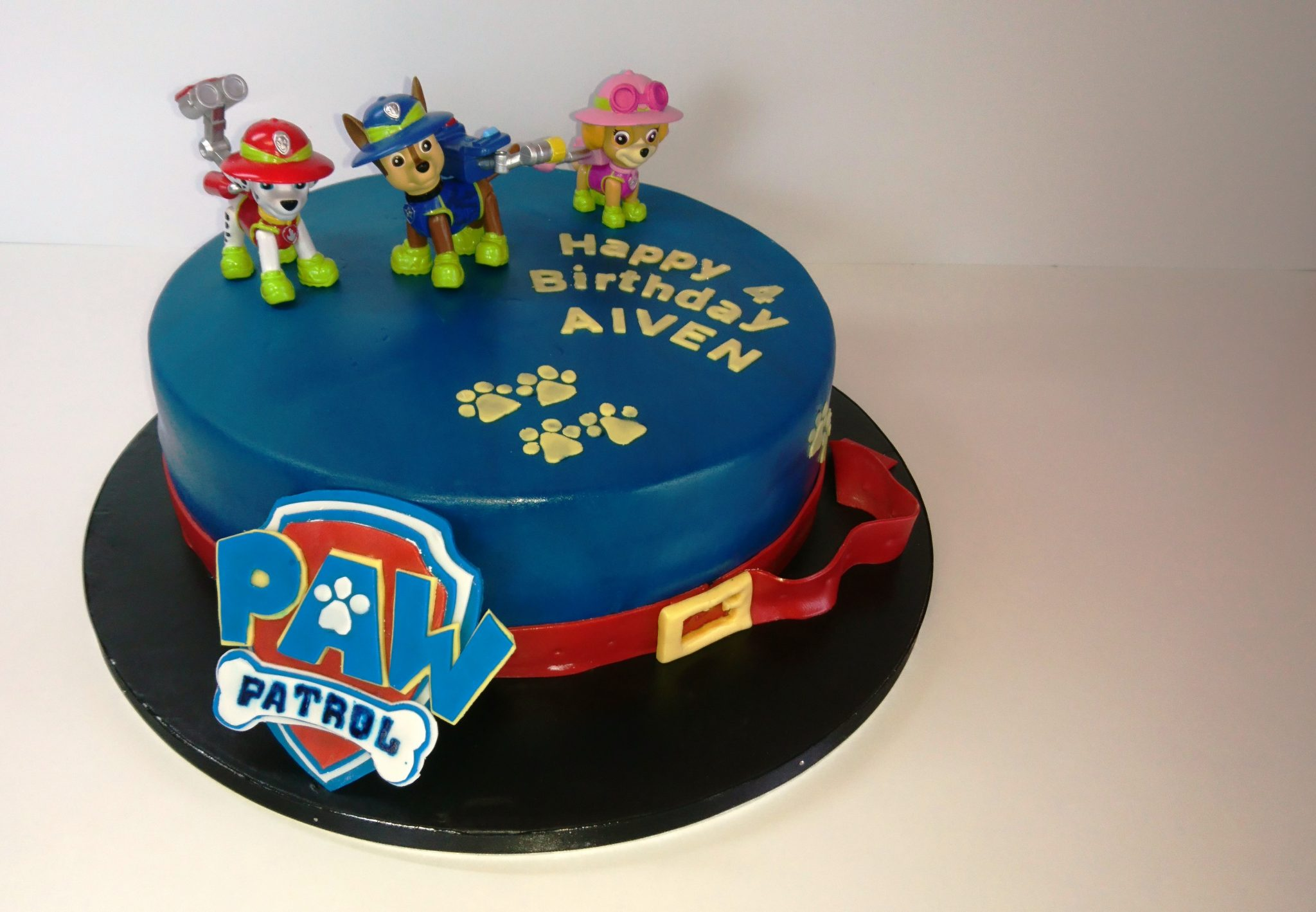 paw patrol kuchen motivtorte tutorial das logo. Black Bedroom Furniture Sets. Home Design Ideas