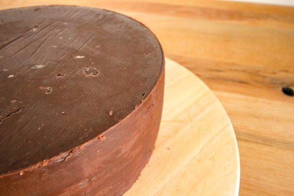 Ganache, Torte einstreichen, Rezept für Ganache, Zartbitterganache, Schritt für Schritt Anleitung, Wie streiche ich eine Torte ein, Ganache Herstellen, Torte mit Ganache einstreichen