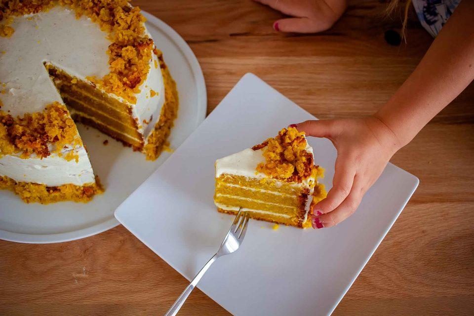 Karottenkuchen, perfekt zu Ostern oder auch mal einfach so, Ostern, Ostertorte, Karottenkuchen mit Frischkäse, Karottenkuchen mit Frischkäsecreme